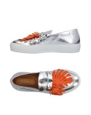 Низкие кеды и кроссовки L'F SHOES. Цвет: серебристый