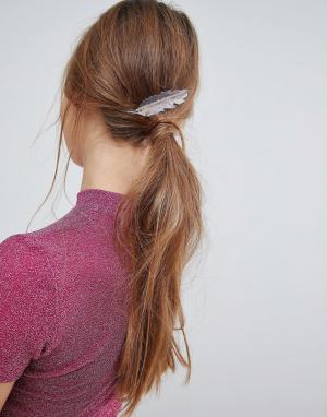 ASOS Заколка для волос ограниченной серии с листьями. Цвет: мульти