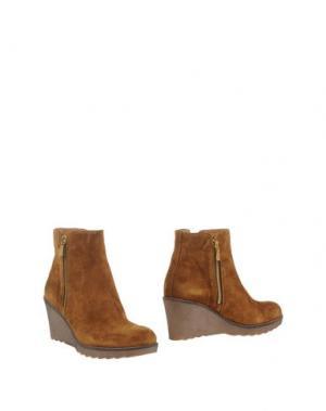 Полусапоги и высокие ботинки GIONATA. Цвет: коричневый