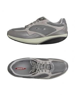 Низкие кеды и кроссовки MBT. Цвет: серый
