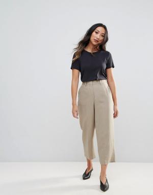 Selected Укороченные приталенные брюки Joy. Цвет: бежевый