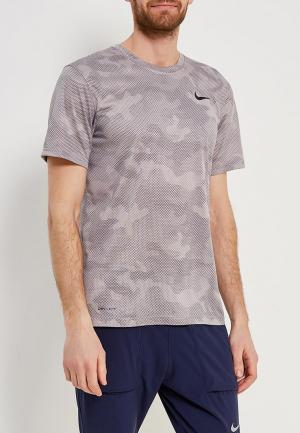 Футболка спортивная Nike. Цвет: бежевый