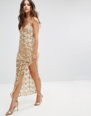 Love Triangle Кружевное платье металлик с асимметричным краем. Цвет: золотой