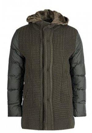 Куртка FONTANELLI. Цвет: зеленый