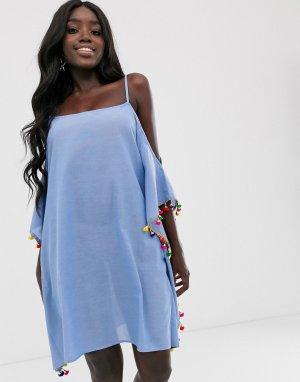 Синее пляжное платье с отделкой помпонами Anmol. Цвет: синий