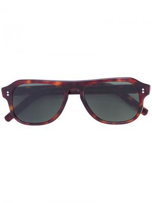 Солнцезащитные очки в квадратной оправе Cutler & Gross. Цвет: коричневый