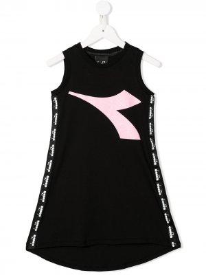 Платье без рукавов с логотипом Diadora Junior. Цвет: черный