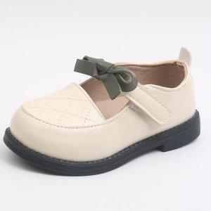 Для девочек Туфли мэри джейн стеганый тиснением SHEIN. Цвет: бежевые