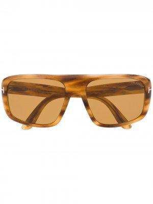 Солнцезащитные очки FT0754 в квадратной оправе Tom Ford Eyewear. Цвет: коричневый