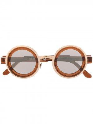 Солнцезащитные очки в стиле колор-блок Kuboraum. Цвет: коричневый