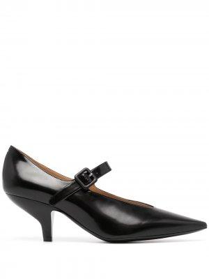 Туфли с заостренным носком Maison Margiela. Цвет: черный