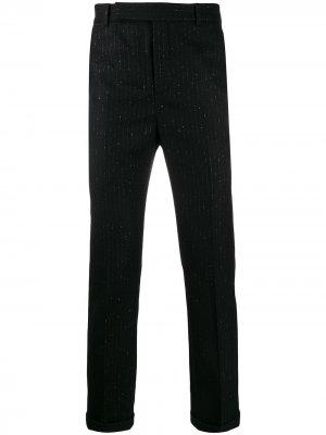 Классические брюки в тонкую полоску с эффектом металлик Saint Laurent. Цвет: черный