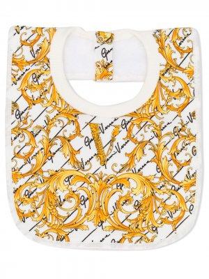 Двухцветный нагрудник с принтом Baroque Young Versace. Цвет: белый
