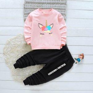 Свитшот с мультяшным принтом и джоггеры текстовым для девочек SHEIN. Цвет: многоцветный