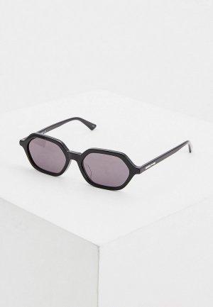 Очки солнцезащитные McQ Alexander McQueen MQ0234SA 001. Цвет: черный