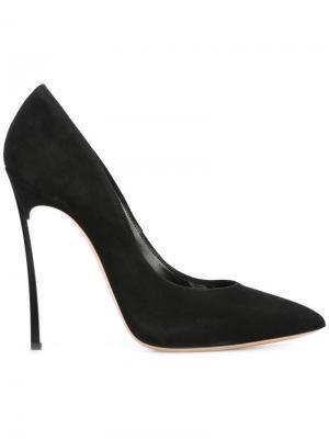 Туфли-лодочки на шпильке Casadei. Цвет: черный