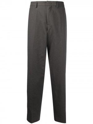 Прямые брюки A.P.C.. Цвет: серый