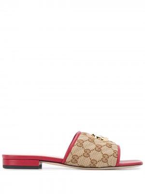 Стеганые сандалии с декором Double G Gucci. Цвет: нейтральные цвета