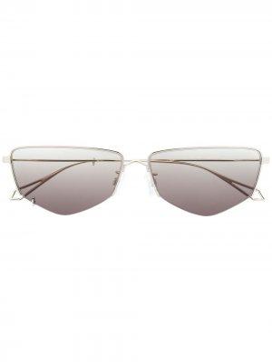 Солнцезащитные очки в геометричной оправе McQ Swallow. Цвет: серебристый