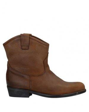 Полусапоги и высокие ботинки JOSEPHINE. Цвет: коричневый