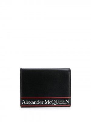 Обложка для паспорта с логотипом Alexander McQueen. Цвет: черный