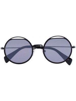 Солнцезащитные очки YY7012 в металлической оправе Yohji Yamamoto. Цвет: черный