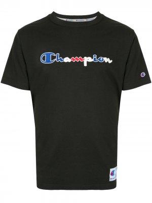 Футболка с круглым вырезом и логотипом Champion. Цвет: черный