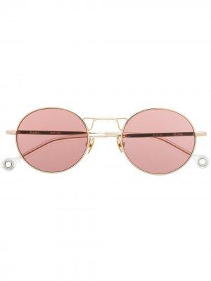 Солнцезащитные очки Resist Etudes. Цвет: золотистый
