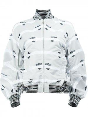 Куртка-бомбер с полосатым принтом Anrealage. Цвет: серый