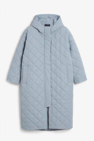 Длинное стеганое пальто Monki. Цвет: синий
