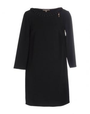 Короткое платье BETTY BLUE. Цвет: черный