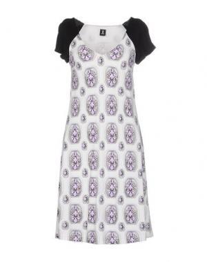 Короткое платье 1-ONE. Цвет: белый