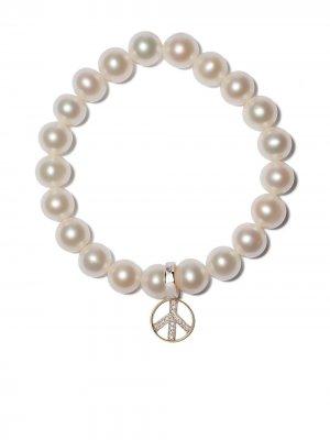 Жемчужный браслет с бриллиантами Yoko London. Цвет: серебристый