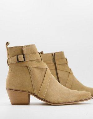 Светло-бежевые замшевые ботинки челси на кубинском каблуке с острым носком в стиле вестерн декоративными ремешками -Бежевый ASOS DESIGN