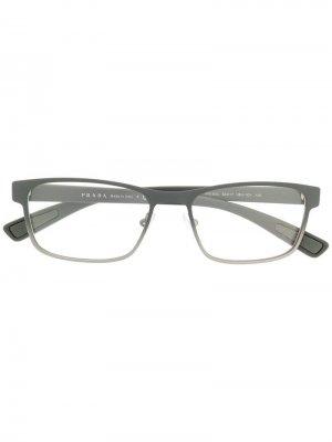 Очки в прямоугольной оправе Prada Eyewear. Цвет: серый