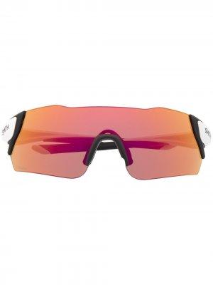 Солнцезащитные очки с зеркальными линзами Smith. Цвет: белый