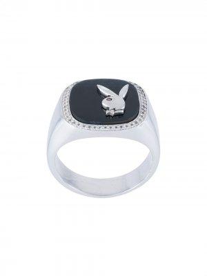 Перстень Membership из коллаборации с Playboy Hatton Labs. Цвет: серебристый-hawk