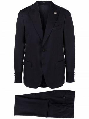 Строгий костюм с однобортным пиджаком Lardini. Цвет: синий