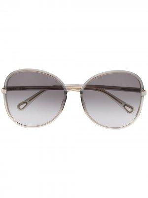 Солнцезащитные очки в массивной оправе Chloé Eyewear. Цвет: серый