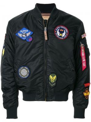 Куртка-бомбер с заплатками Alpha Industries. Цвет: черный