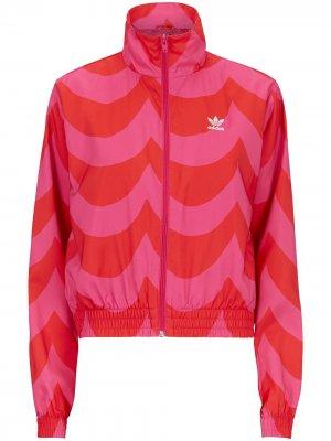 Спортивная куртка из коллаборации с Marimekko adidas. Цвет: красный