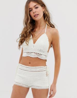Ажурный пляжный комплект белого цвета из топа с халтером и шорт -Белый Glamorous