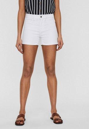 Шорты джинсовые Vero Moda. Цвет: белый