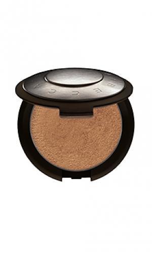 Пудра-хайлайтер shimmering skin BECCA. Цвет: металлический бронзовый