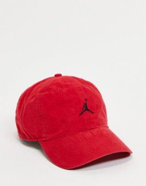 Красная кепка с логотипом в виде баскетболиста Nike H86-Красный Jordan