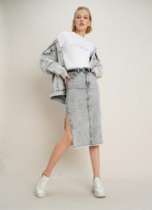 Джинсовая юбка миди с боковыми разрезами O`Stin. Цвет: серый
