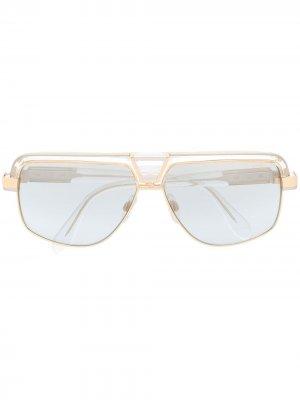 Солнцезащитные очки в квадратной оправе Cazal. Цвет: золотистый