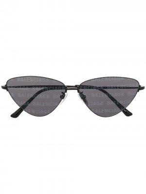Солнцезащитные очки Invisible в оправе кошачий глаз Balenciaga Eyewear. Цвет: черный