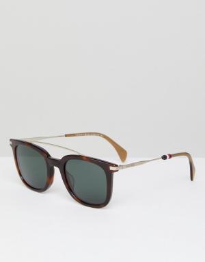 Солнцезащитные очки в квадратной черепаховой оправе TH1515/S Tommy Hilfiger. Цвет: коричневый