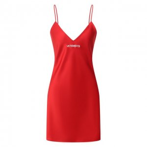Платье VETEMENTS. Цвет: красный